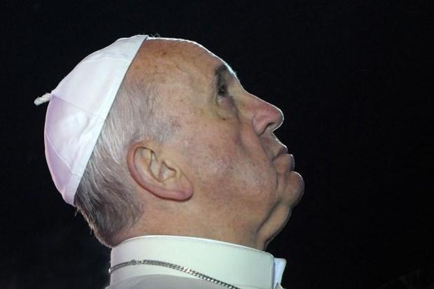 Priester schenkt paus Renault R4 van 29 jaar oud