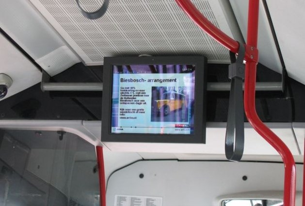De Lijn kondigt haltes aan op scherm in bus