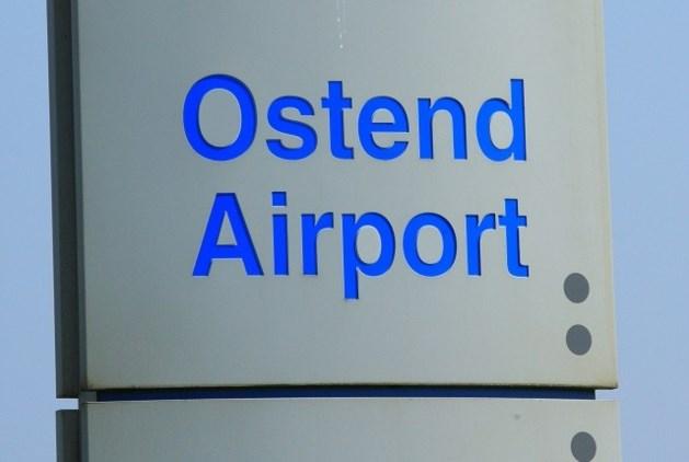 Dronken bestuurder ramt omheining van luchthaven in Oostende