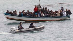 Drie overlevenden van bootramp klagen Belgische leger aan
