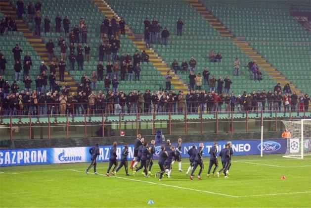 Vier Ajax-fans neergestoken in Milaan