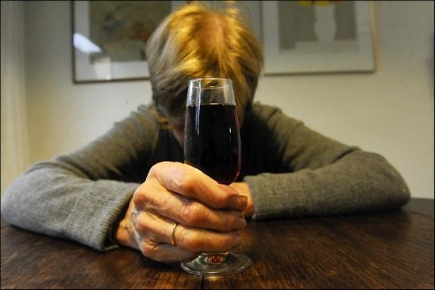 Een werknemer op zeven drinkt te veel
