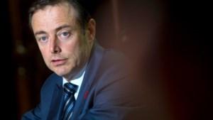 De Wever scoort beter dan Janssens
