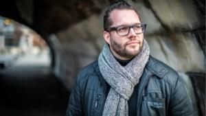 Alex Agnew haalt uit naar Nederlandstalige hiphop