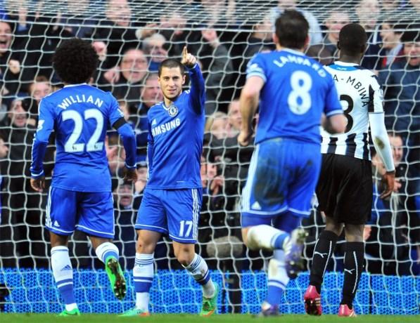 Indrukwekkende Hazard zet Chelsea met hattrick aan kop