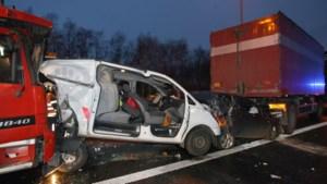 Drie gewonden bij ongeval op E313
