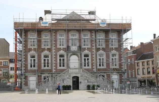 Zolder van stadhuis is rot: restauratie voorlopig opgeschort