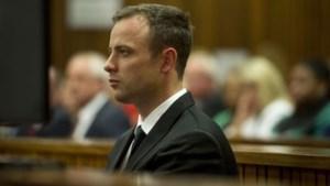 Emotionele Pistorius verontschuldigt zich bij nabestaanden vriendin
