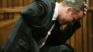 Gruwelijke foto van dode vriendin Pistorius live op tv te zien
