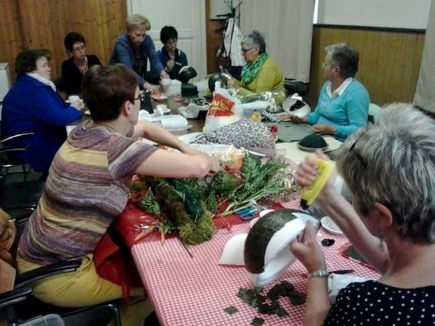 Femma St.-Marten maakt mooie bloemstukje