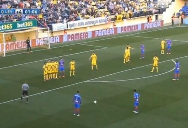 Spanjaarden maken zich belachelijk met mislukte vrije trap (video)