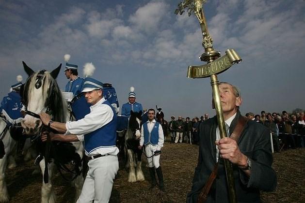 Paardenprocessie Hakendover lokt 15.000 tot 20.000 toeschouwers