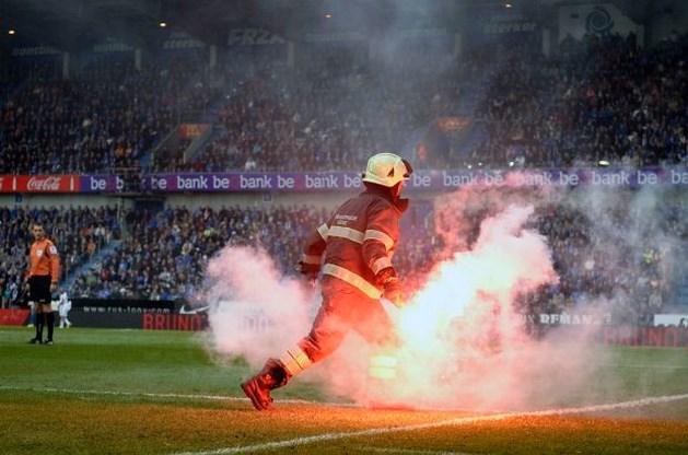 Gooier Bengaals vuur tijdens Genk-Anderlecht meteen opgepakt