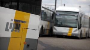 Ruziënde buschauffeurs blokkeren centrum Zandhoven