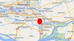 Grote brand verwoest winkels in Nederlandse Zwijndrecht