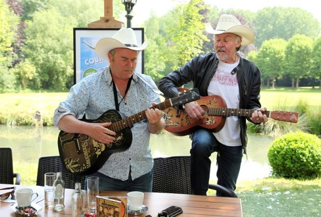 Paul Young grote klepper op Truiens Country Festival (video)