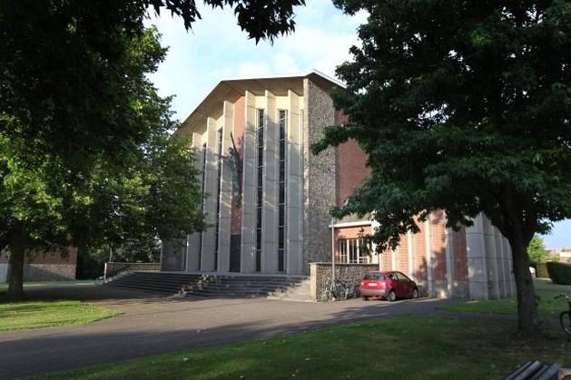 Studenten mogen blokken in koele Hasseltse kerk