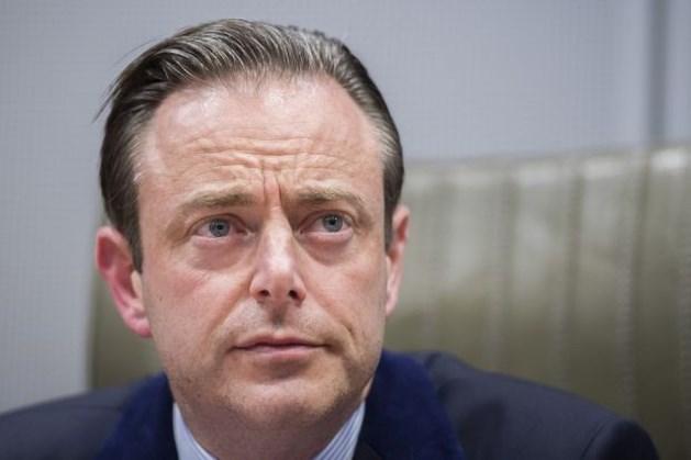 """Vakbonden: """"Nu moet De Wever ook niet meer langskomen"""""""