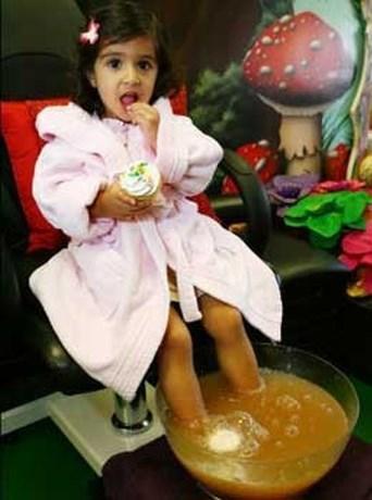 Manicure voor kleine prinsessen