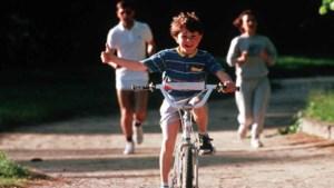 Steeds minder ouders leren kind fietsen