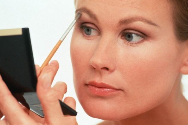 Hoe breng je oogschaduw aan zonder vlekken te maken?