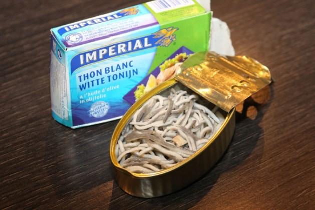 Vies: Tientallen 'wormen' teruggevonden in blikje tonijn  (fotoalbum)