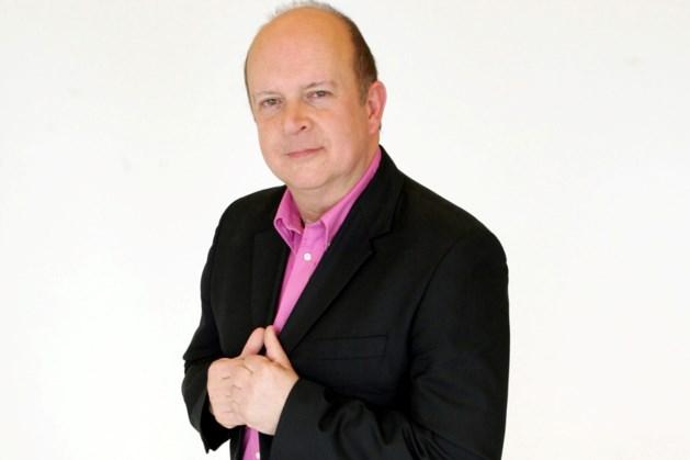 De wereld op z'n kop: André Vermeulen WEL naar Eurosong maar NIET om te presenteren